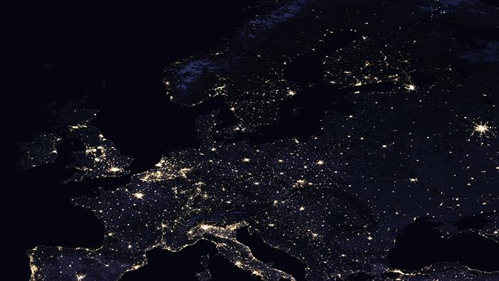 La Terre vue de nuit : l'activité humaine sur la planète ...