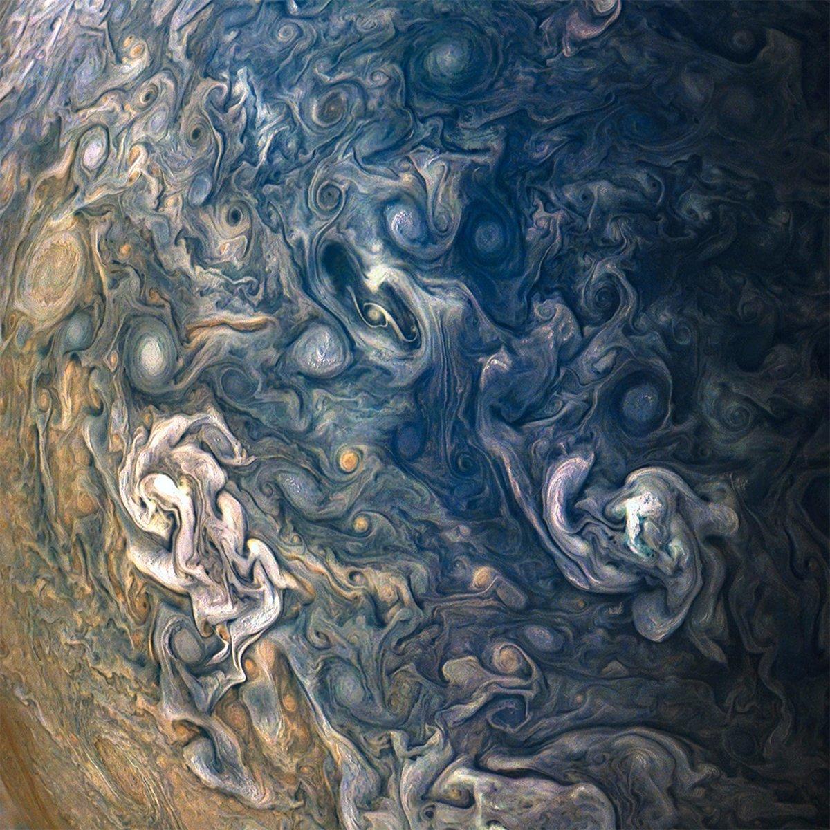 NASA's $1 Billion Probe Just Sent Back Mind-Meltingly
