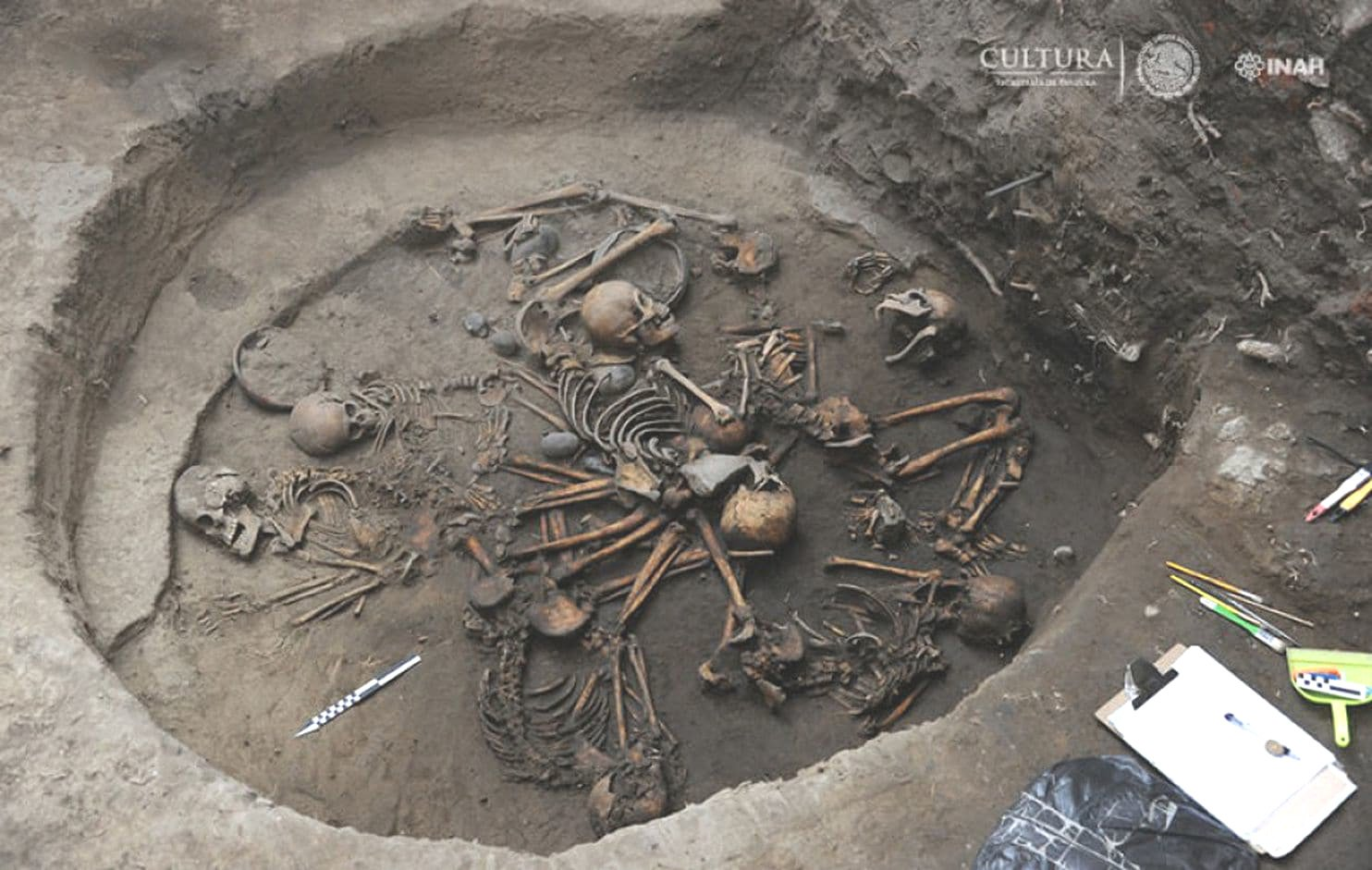 mysterious skeleton circle mexico