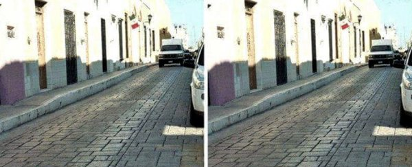 This optical illusion of two identical photos is freaking out the internet