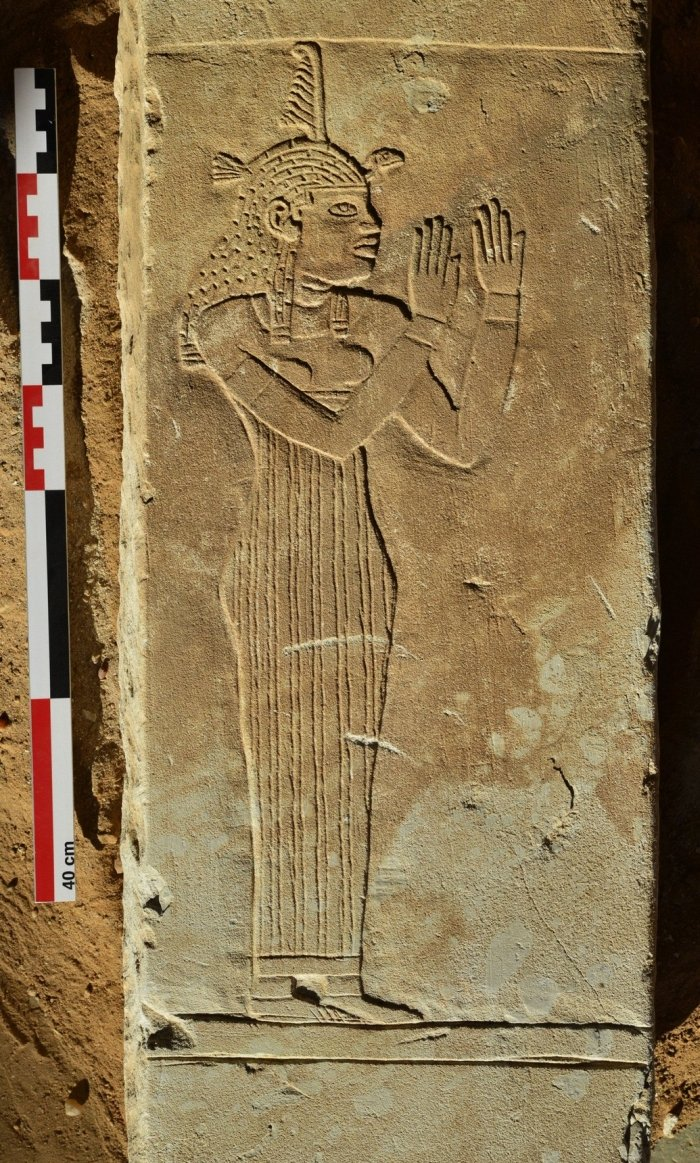 Mysterious Nubian Stone Tablets Have Been Discovered in a Vast African 'City of The Dead'  Meroe-maat-lintel