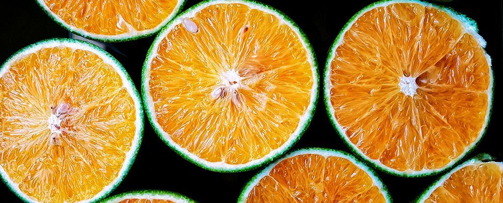 People who eat at least one serving of oranges every day may be 60% less likely than people who never eat oranges to lose their sight to macular degeneration, according to a new study spanning 15 years.