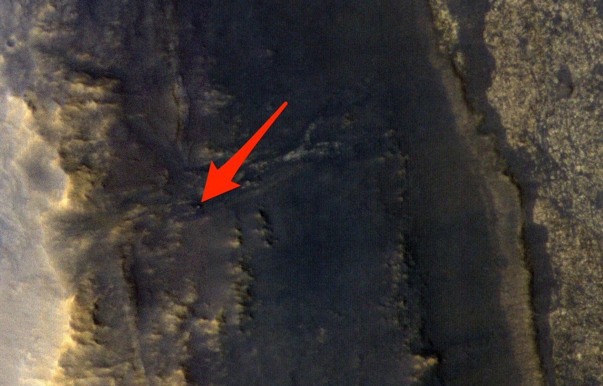 A satellite image of Opportunity's current location on Mars. (NASA/JPL-Caltech/Univ. of Arizona/Business Insider)