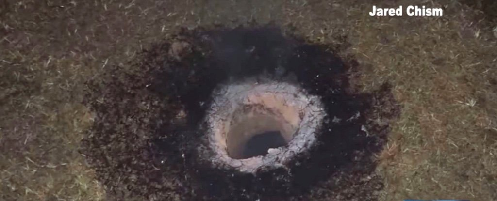 "Mysterious Ground Hole Shoots Flames Into The Air, Locals Have ""Ruled Out Satan""  Arkansas_fire_hole_jared_chism_1024"