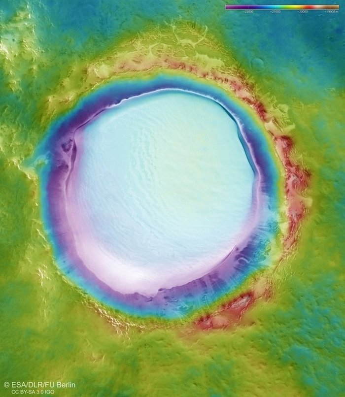 topografia del cratere korolev