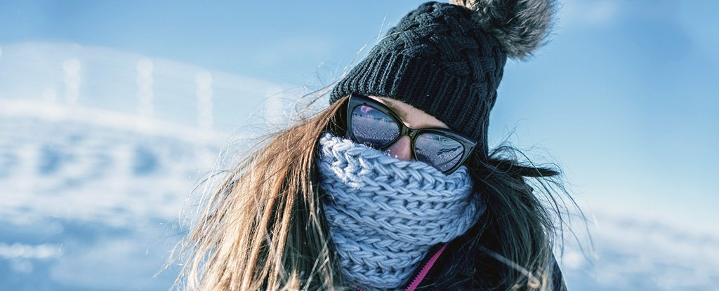 Here's How You Can Easily Keep Yourself Warm, According to a Physiologist