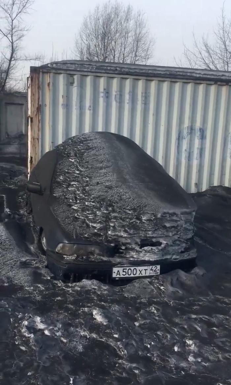016 siberia black snow coal dust 1