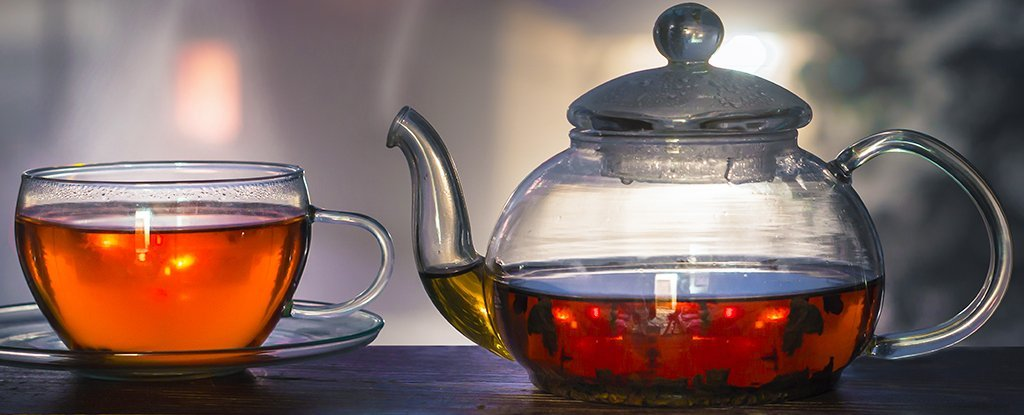 Hot Tea Really Does Increase Cancer Risk, So Here's The Recommended Safe Temperature