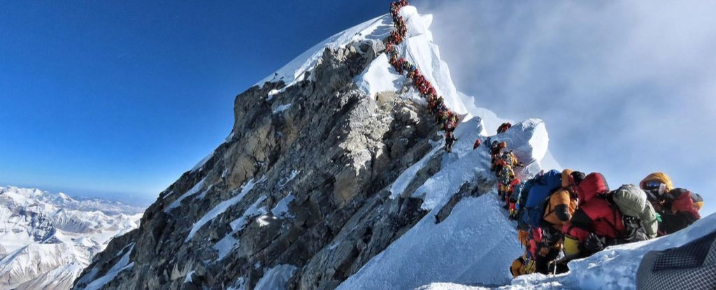 Mount Everest Is Now So Busy Climbers Are Dying in Traffic Jams