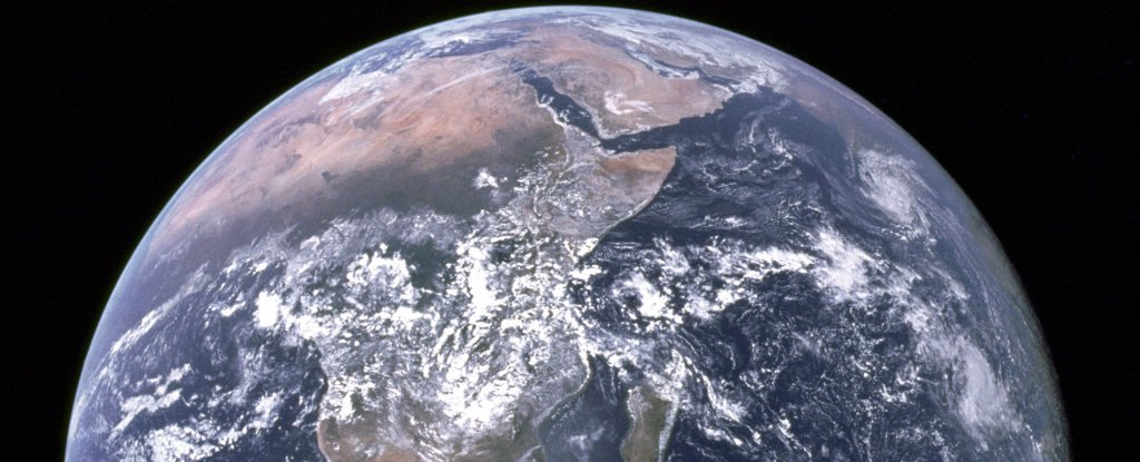 A Rocket Scientist Explains How We Could Hypothetically Relocate Earth