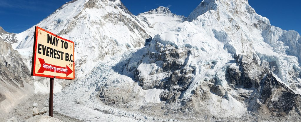 "Scientists Just Installed ""a New Window Into The Planet"" Near The Top of Everest"