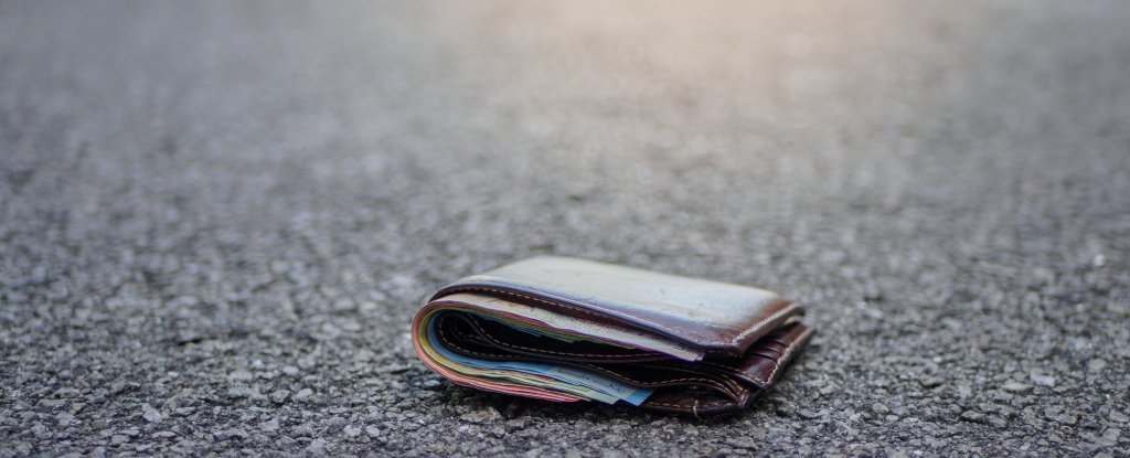 """Scientists Used 17,000 """"Lost"""" Wallets to Study How Honest People Really Are"""
