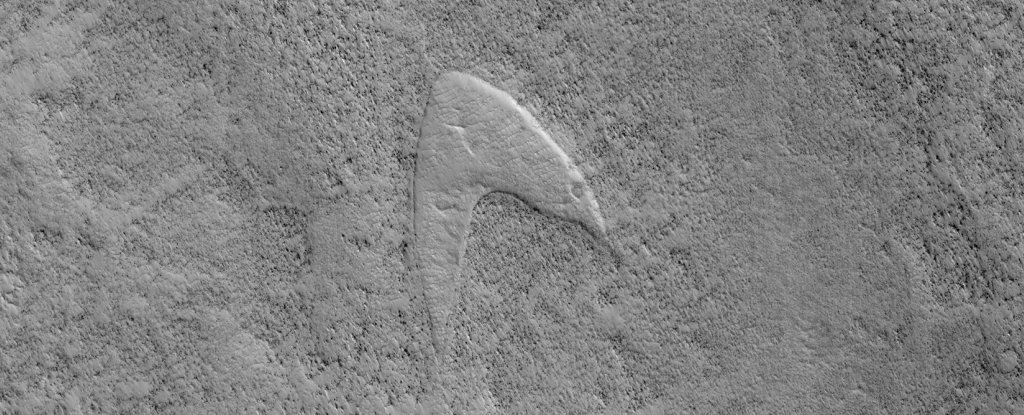 The Star Trek Starfleet Logo Has Been Spotted on Mars
