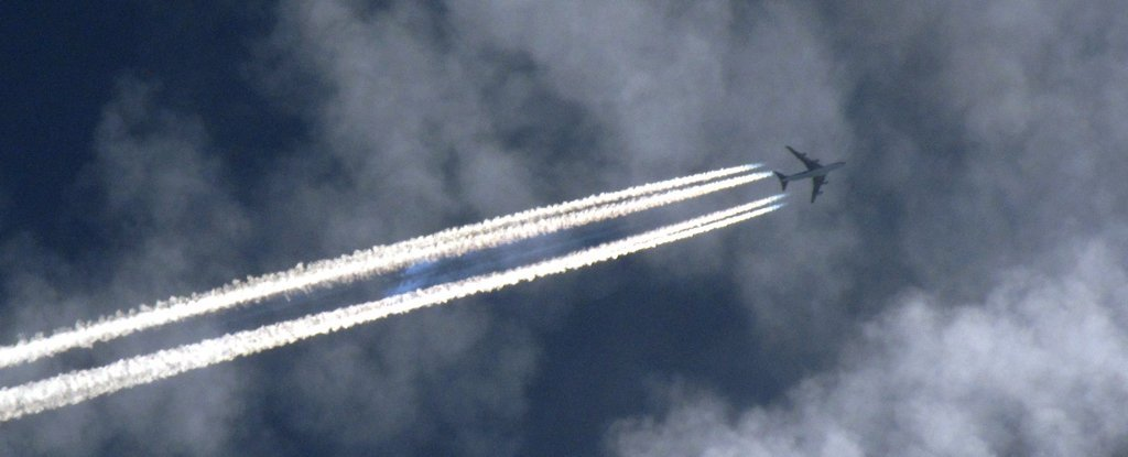 Turns Out We Might Need to Worry About Airplane Contrails - But Not For Those Reasons