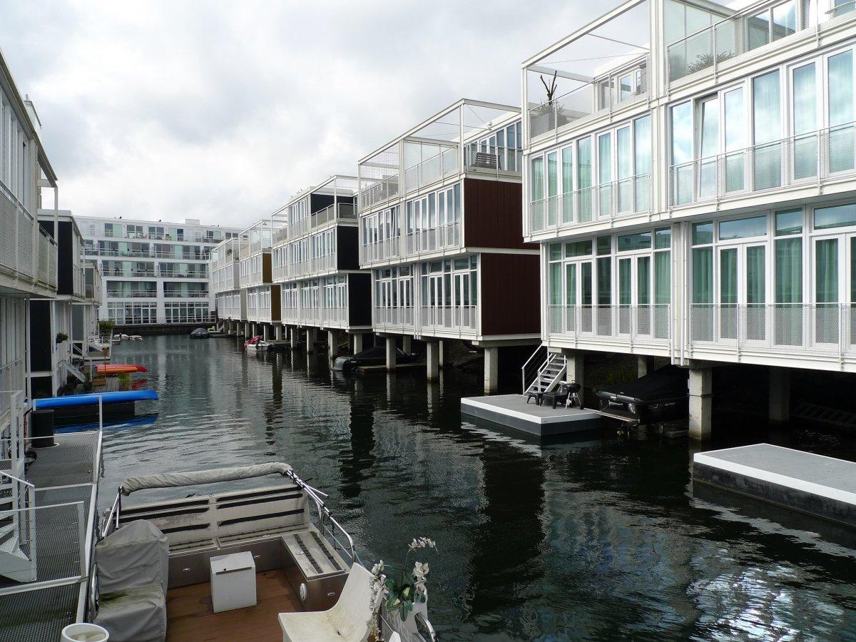 floating house complex netherlands