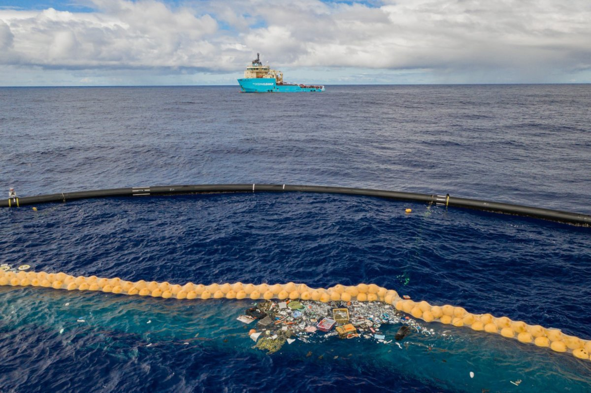 ocean cleanup in action close up