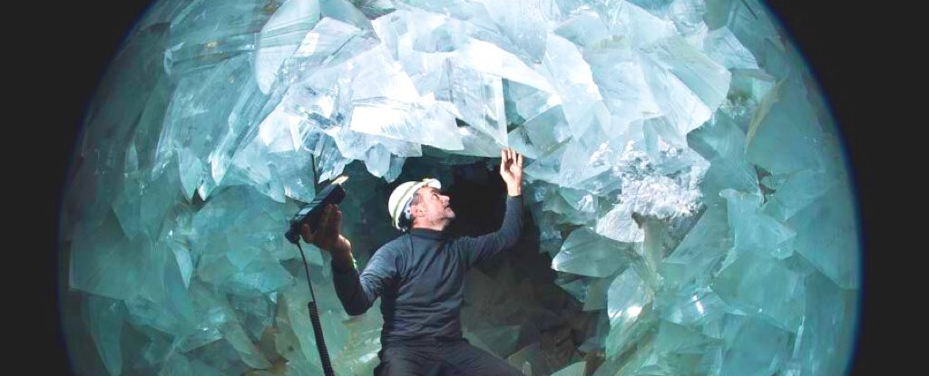 Scientists Might Have Finally Found The Origin of This Surreal Jagged Crystal Cave
