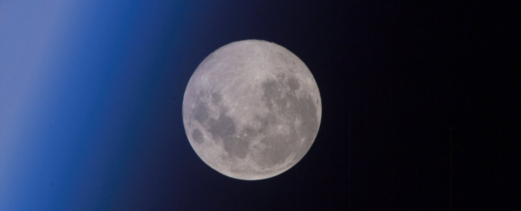 The Last Full Moon of The Decade Occurs This Week And It'll Be Beautifully Ordinary