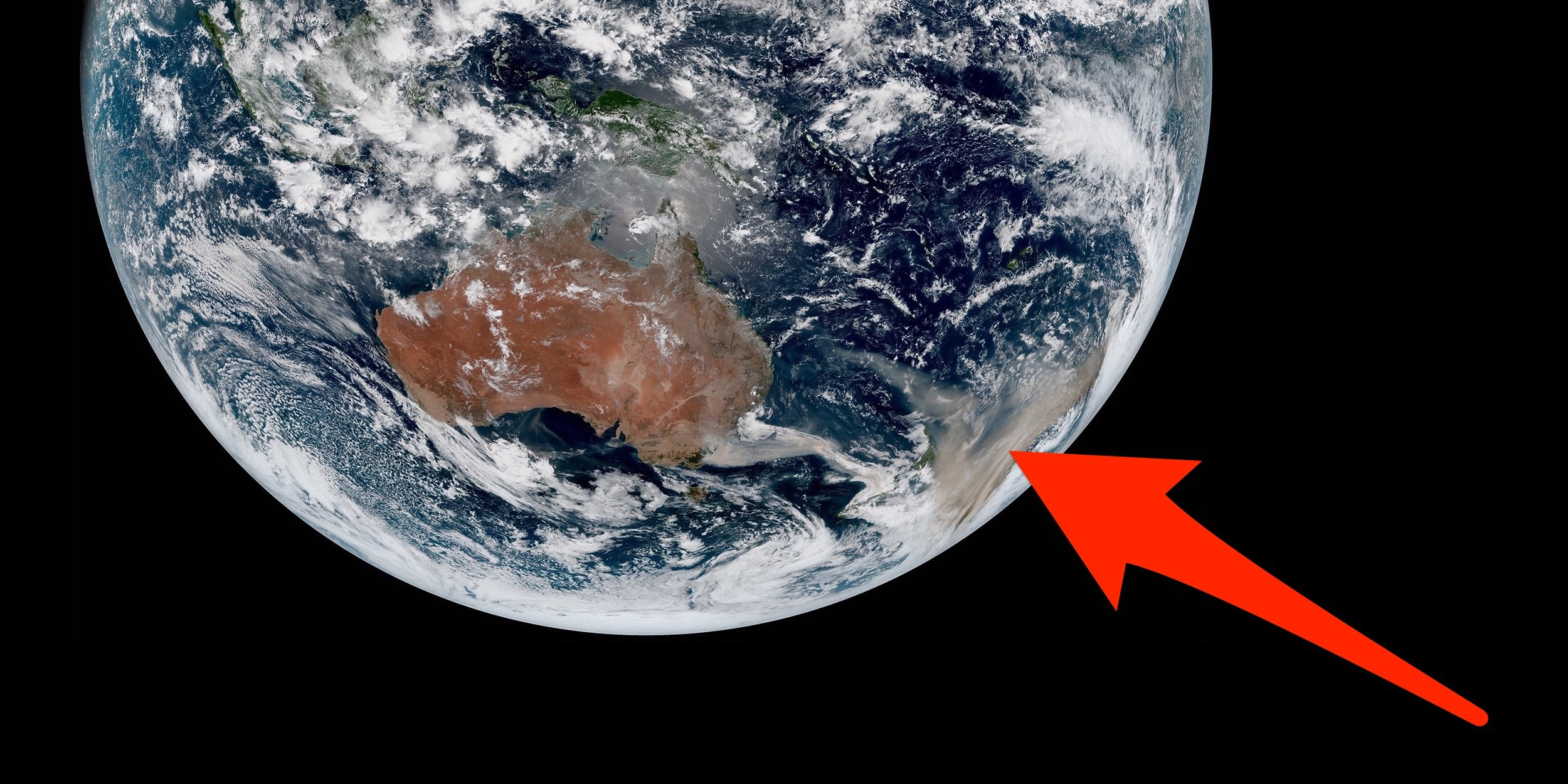 RAMMB/CIRA/CSU; Business Insider The Himawari-8 satellite's view of the Australian brushfires and smoke clouds on January 2, 2020.