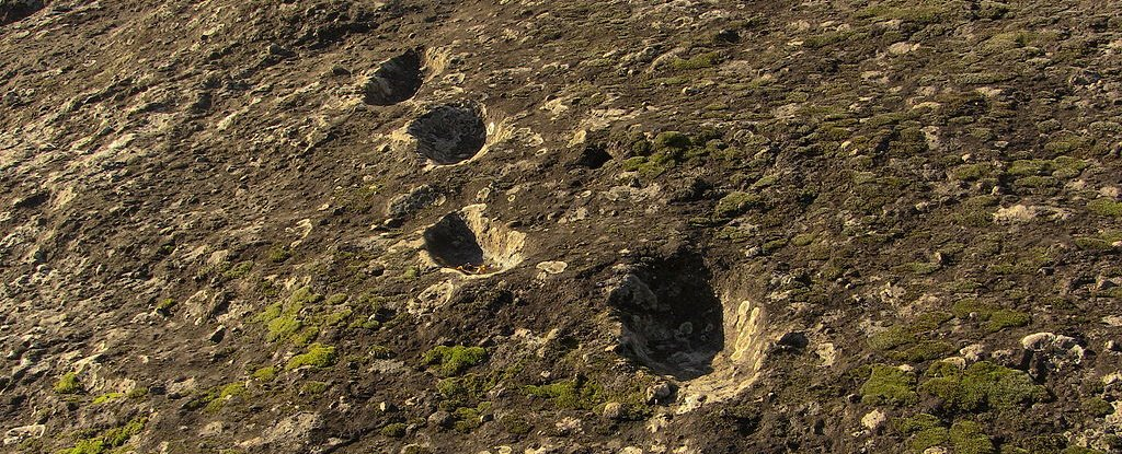 Mysterious Footprints Indicate Neanderthals Climbed a Volcano Right After It Erupted - ScienceAlert