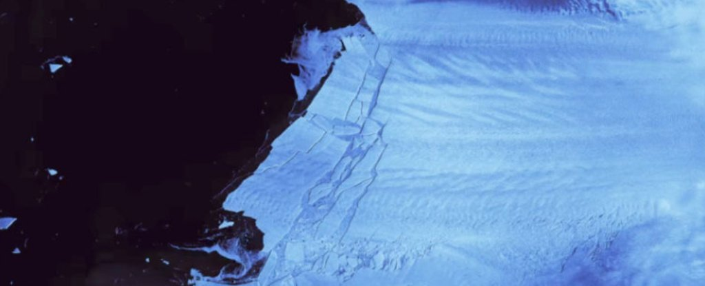 Satellite Footage Shows The Moment a Las Vegas-Sized Iceberg Broke Off Antarctica