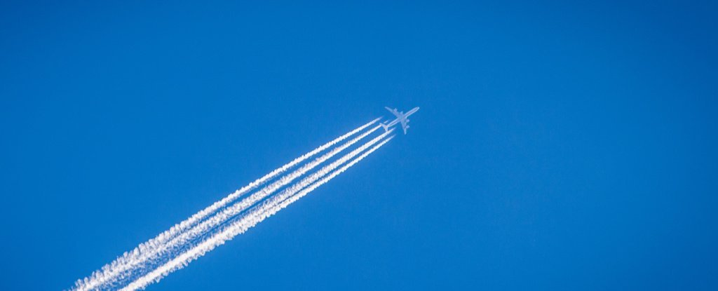 A Small Change in Airplane Altitude Could Reduce Climate Impact of Contrails by 59%