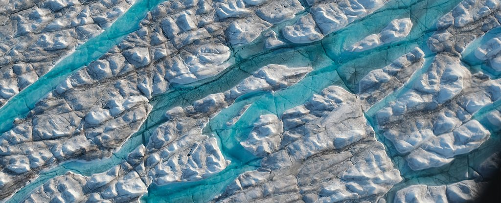 Greenland's Ice Sheet Has Lost a Record Half-a-Trillion Tonnes in a Single Year