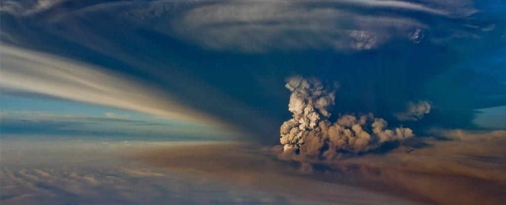 Grímsvötn eruption in May 2011.