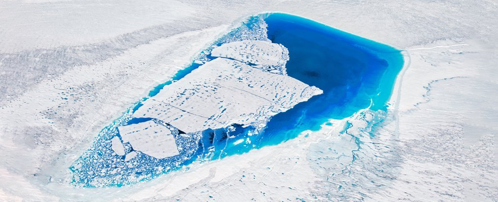 Greenland is the largest island in the world and on it rests the largest ice mass in the Northern Hemisphere. If all that ice melted, the sea would rise by more than 7 metres.