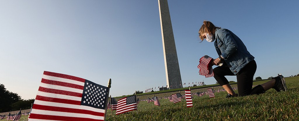 200,000 US flags represent deaths from COVID-19, September 2020, Washington.
