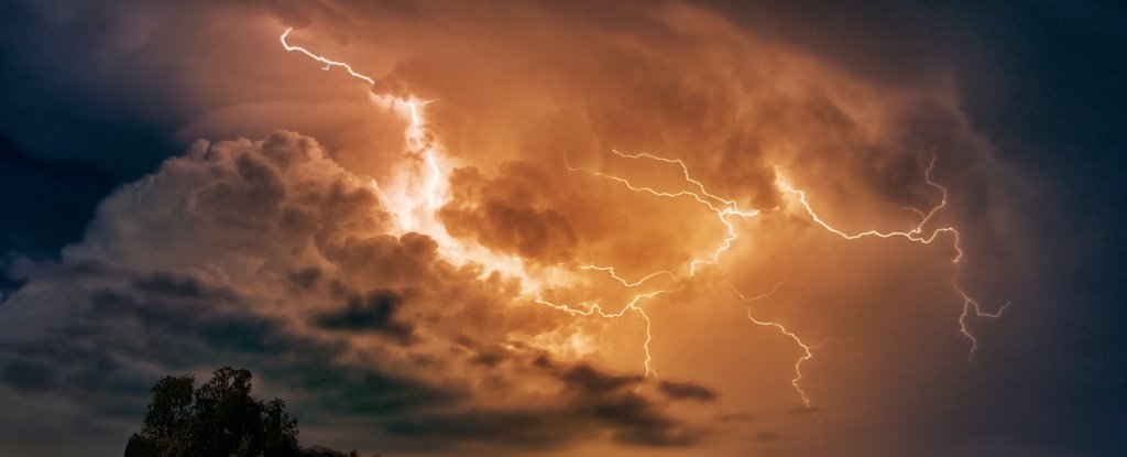 Scientists Detect 'Superbolts' 1,000 Times Brighter Than Typical Lightning Strikes