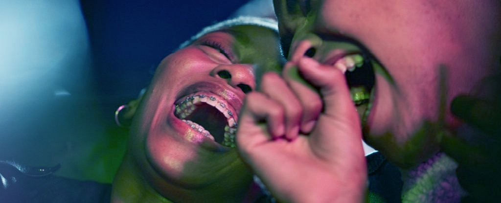 Laughter Is Important For Our Bodies And Minds – Here's What The Research Says