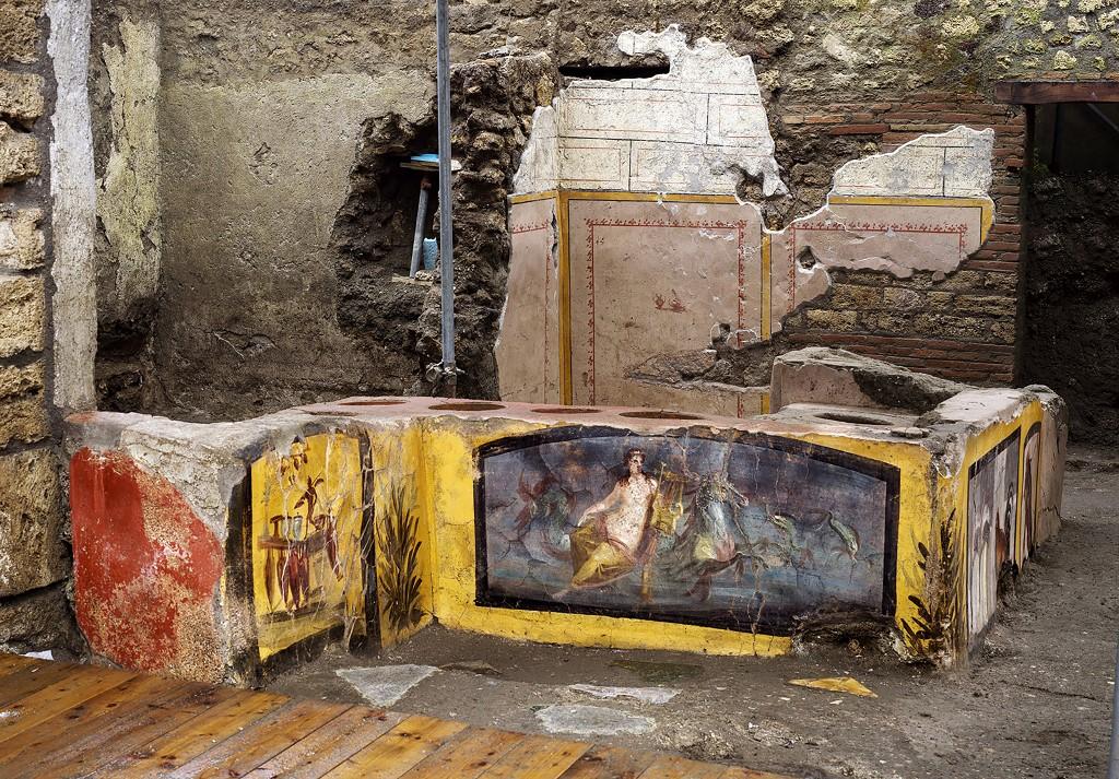 Pompeii thermopolium fresco