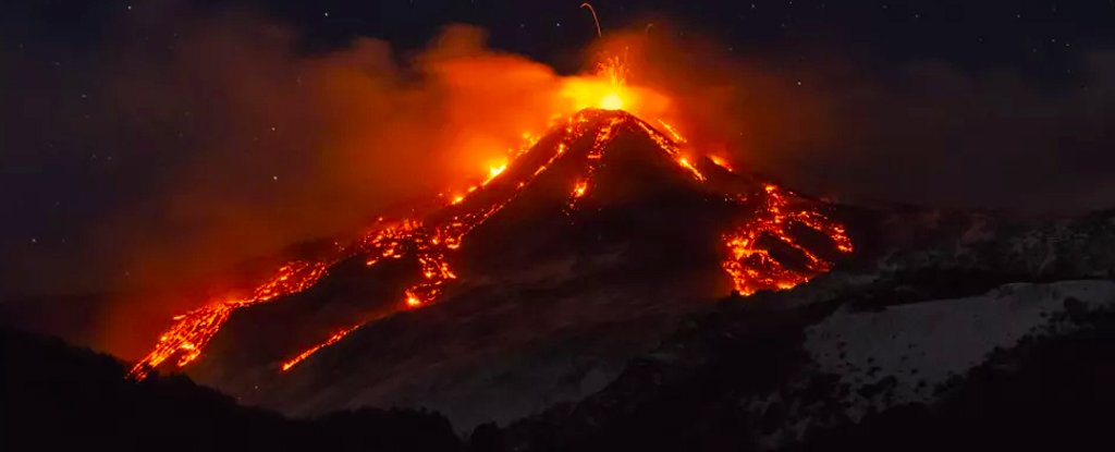Beautiful Video Reveals Mount Etna Erupting, as Europe's Largest Volcano Lets Free