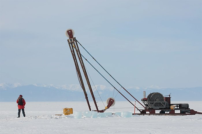 Pully system on lake baikal