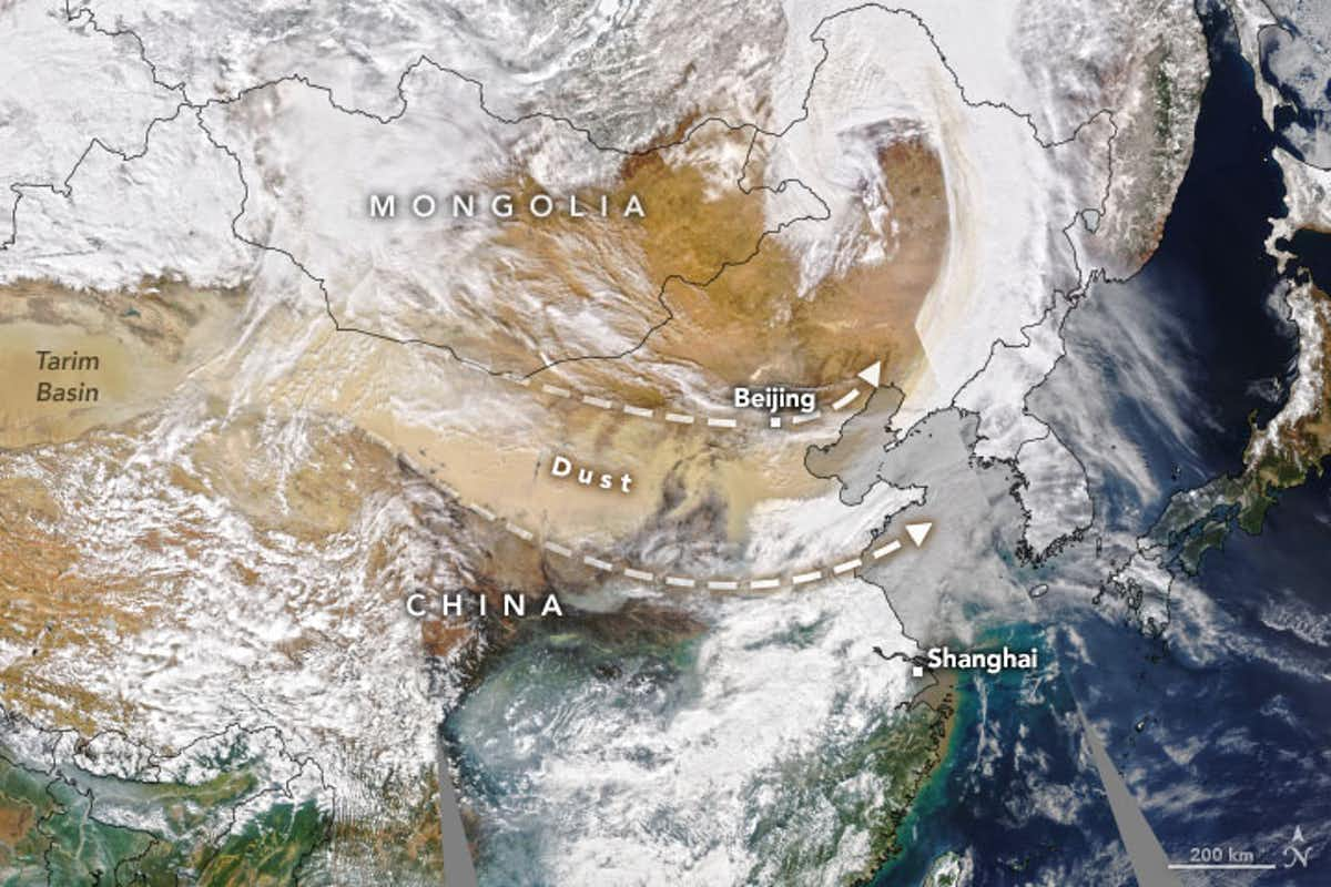March 2021 dust storm, showing winds blowing from the Loess Plateau towards Beijing. (NASA)