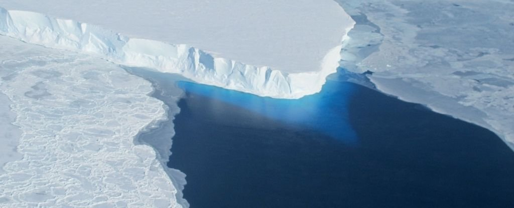 Warm Water Under The 'Doomsday Glacier' Threatens to Melt It Faster Than We Predicted