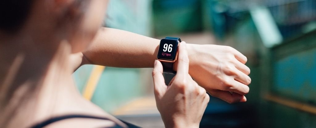 Fitness Trackers Reveal Just How Long It Can Take to Truly Recover From COVID-19