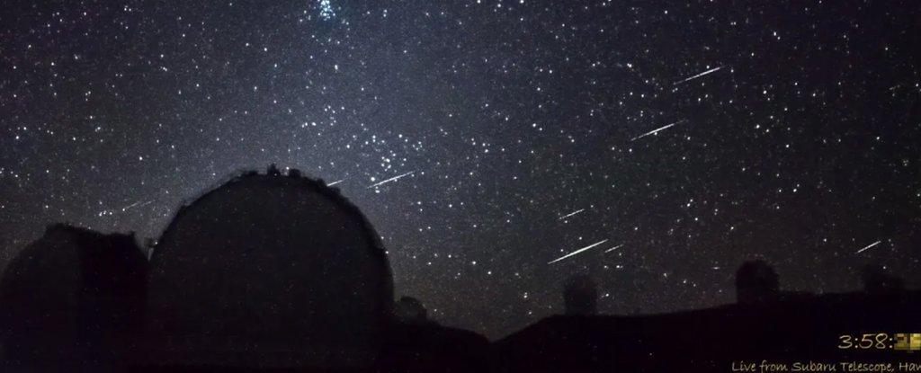 A Dazzling Meteor Cluster Was Just Captured Live on Camera in Hawaii - ScienceAlert