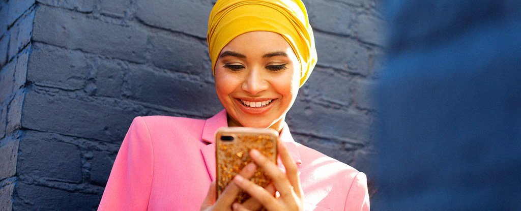 How to Make Your Social Media Happier, According to Scientists