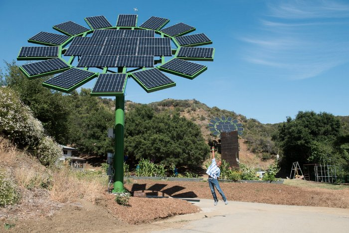 James Cameron Has Created Giant Solar Flowers That Track