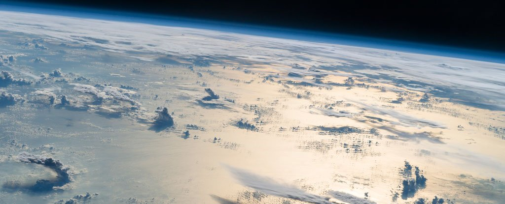 New Light-Reflecting Particles in The Stratosphere Could Cool Earth And Fix The Ozone Layer
