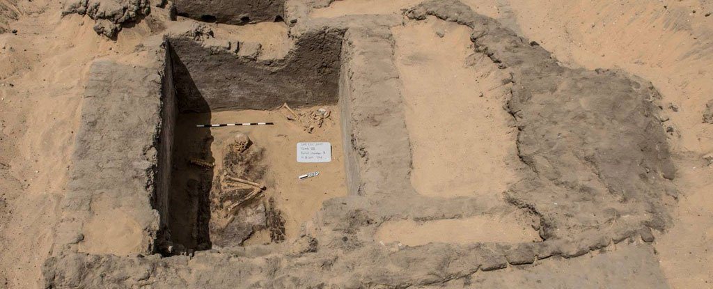 Archaeologists Have Unearthed The Remains of a 7,000-Year-Old City in Egypt