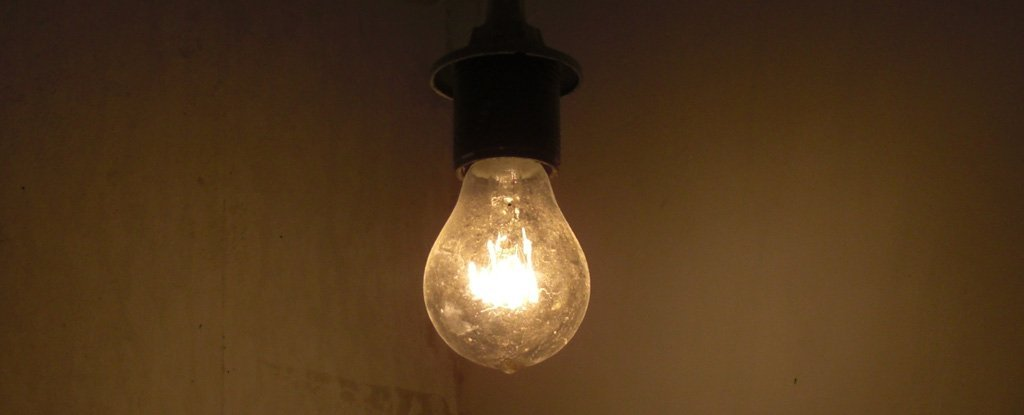 """New """"Light Recycling"""" Incandescent Bulbs Could Outperform Energy-Efficient LEDs"""
