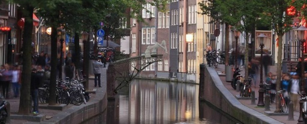 3D Metal Printing >> Autonomous Robot Arms Are Going to 3D-Print a Bridge in Amsterdam