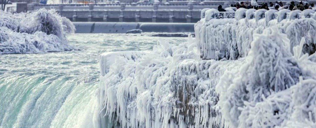 Niagara Falls Is Currently Coated In Ice And Its Absolutely Jaw