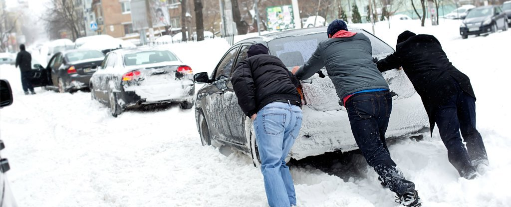 The Biggest Myth About Warming Up Your Car in Winter Is Doing Your Engine More Harm Than Good