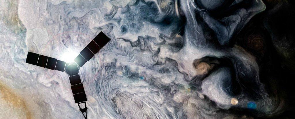 NASA's $1 Billion Probe Just Sent Back Mind-Meltingly Gorgeous New Images of Jupiter