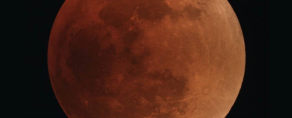 Incredibly Rare 'Super Blue Blood Moon' Is About to Appear For The First Time in 150 Years