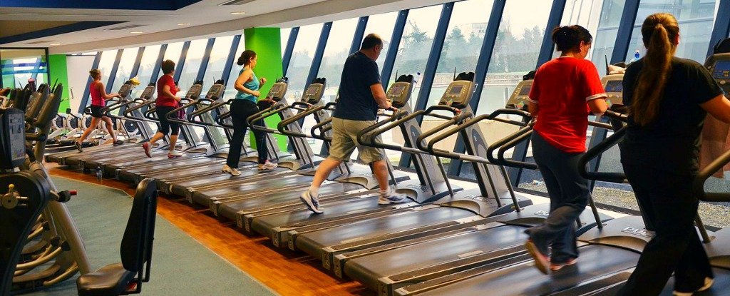 This New Study Could Explain The Reason It's So Hard to Stick to Your Exercise Resolutions